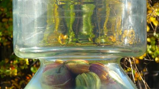 szklane naczynie, estrykator, szkło nie wchodzi w reakcję z kwasem octowym