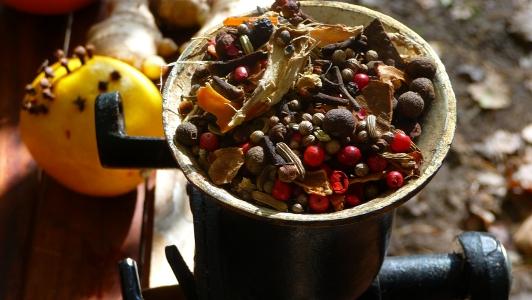 składniki przyprawy do pierników pięknie pachną