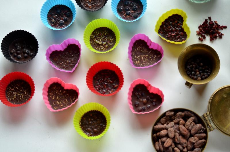 kolorowe serca z czekoladą