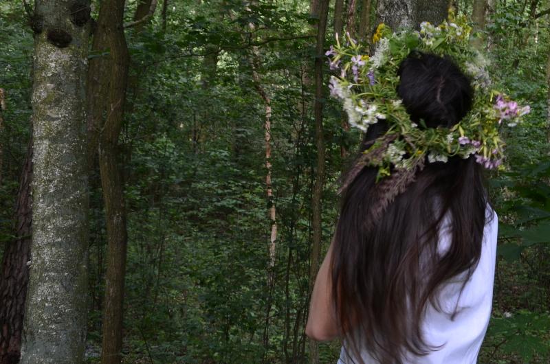 szampon kwiaty we włosach